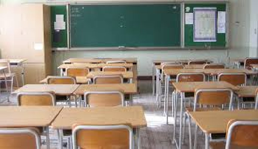 https://www.ragusanews.com//immagini_articoli/28-12-2018/scuola-bando-segretari-2004-assunzioni-500.jpg