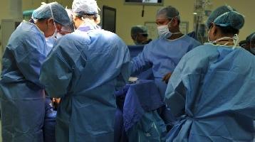 http://www.ragusanews.com//immagini_articoli/29-01-2017/avanguardia-chirurgia-complessa-ghiandola-parotide-200.jpg