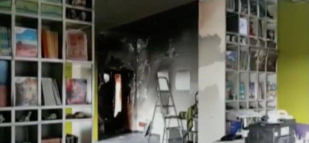 https://www.ragusanews.com//immagini_articoli/29-01-2018/agenzia-incendiata-fratelli-ditalia-solidali-irene-500.jpg
