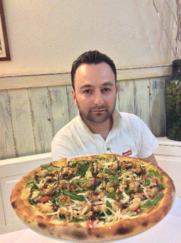 https://www.ragusanews.com//immagini_articoli/29-01-2018/fare-pizza-facile-farla-bene-unarte-cappottella-500.jpg