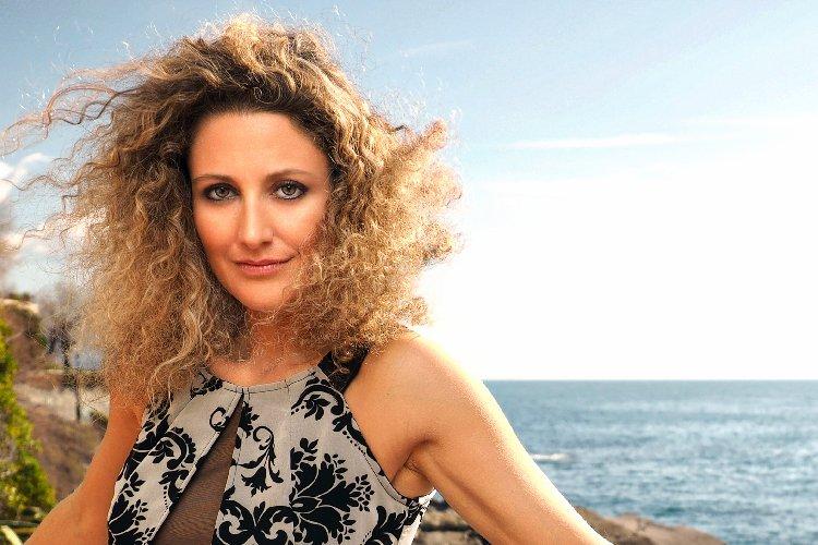 https://www.ragusanews.com//immagini_articoli/29-01-2018/palermo-concerto-pianista-elisa-tomellini-500.jpg