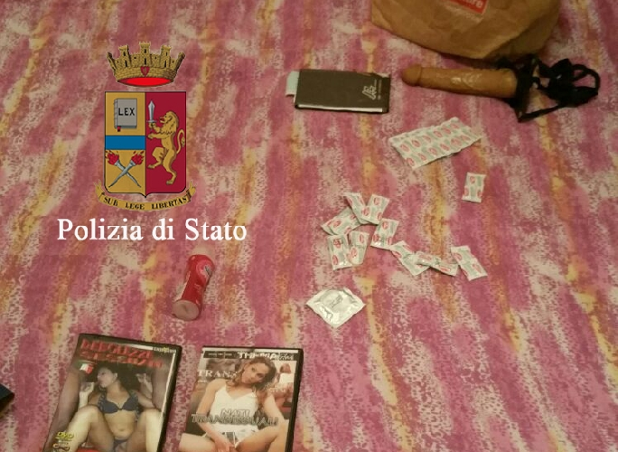 http://www.ragusanews.com//immagini_articoli/29-02-2016/chiusa-una-casa-di-prostituzione-in-corso-italia-500.jpg