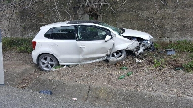 http://www.ragusanews.com//immagini_articoli/29-03-2017/incidente-cinque-feriti-ragusa-catania-220.jpg