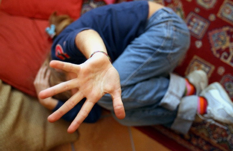 https://www.ragusanews.com//immagini_articoli/29-03-2017/uomo-violenta-suoi-figli-orrore-caltagirone-500.jpg