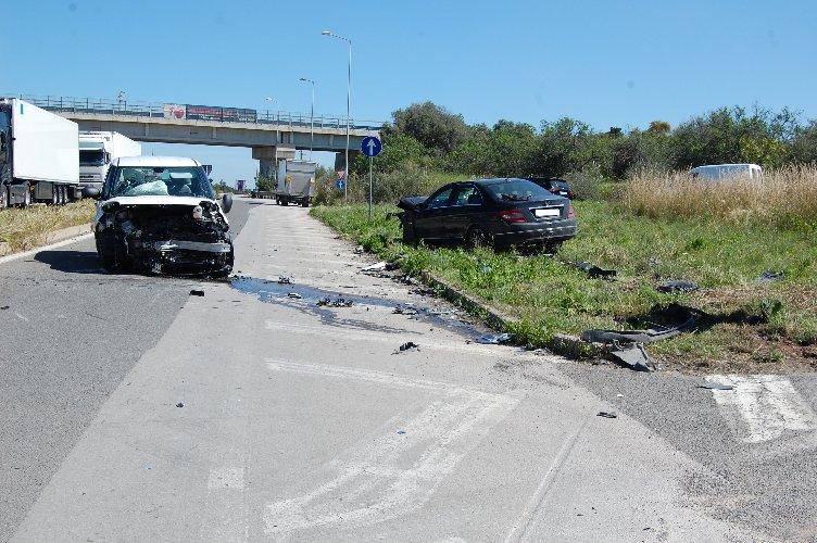 https://www.ragusanews.com//immagini_articoli/29-03-2018/incidente-pozzallo-ispica-feriti-500.jpg