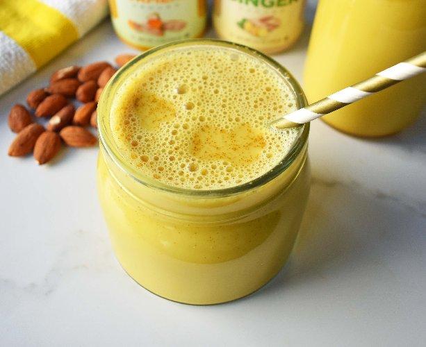 https://www.ragusanews.com//immagini_articoli/29-03-2019/golden-milk-il-latte-d-oro-dieta-star-500.jpg