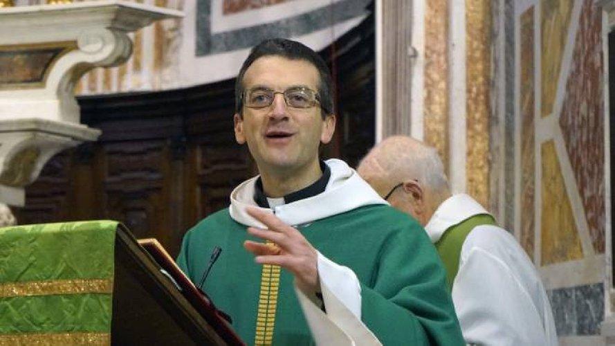 https://www.ragusanews.com//immagini_articoli/29-03-2021/don-giulio-sfida-il-papa-se-non-posso-benedire-coppie-gay-neppure-le-palme-500.jpg