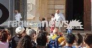 https://www.ragusanews.com//immagini_articoli/29-04-2018/montalbano-zingaretti-papa-figlie-100.jpg