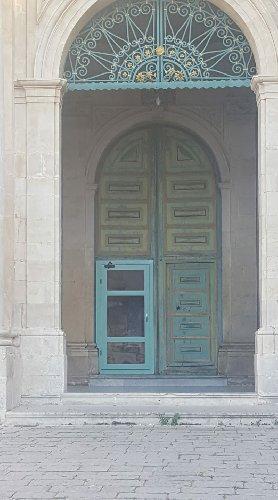 https://www.ragusanews.com//immagini_articoli/29-04-2018/porta-alluminio-chiesa-bartolomeo-500.jpg