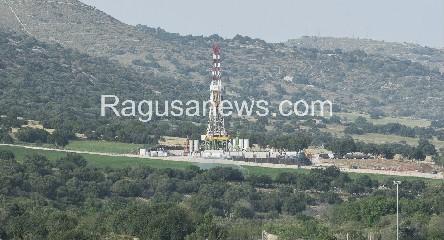 https://www.ragusanews.com//immagini_articoli/29-04-2020/petrolio-sicilia-in-crisi-irminio-ferma-le-produzioni-a-ragusa-240.jpg