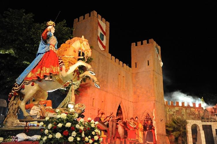 http://www.ragusanews.com//immagini_articoli/29-05-2015/la-festa-della-madonna-delle-milizie-l-11-luglio-500.jpg