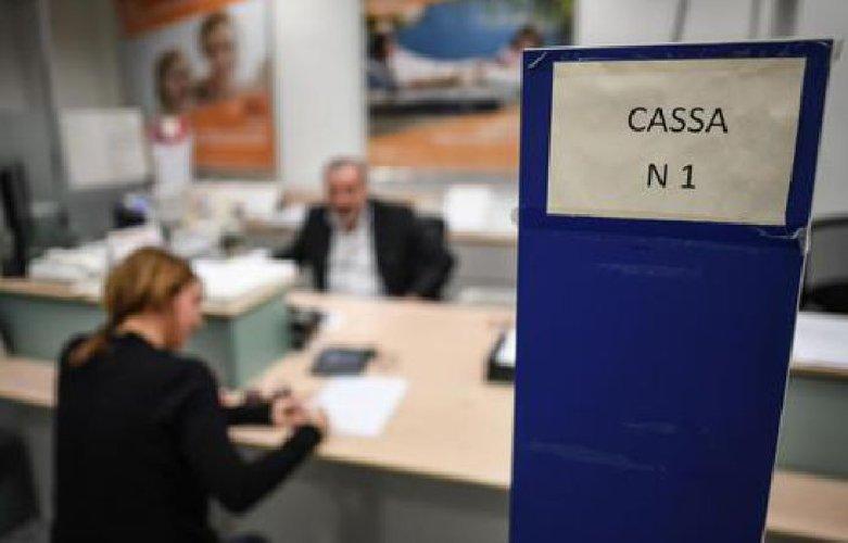 https://www.ragusanews.com//immagini_articoli/29-05-2018/sportelli-bancari-meno-sicilia-ultimo-anno-500.jpg