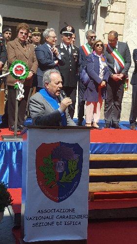 https://www.ragusanews.com//immagini_articoli/29-05-2019/ex-caserma-di-ispica-consegnata-all-associazione-carabinieri-500.jpg