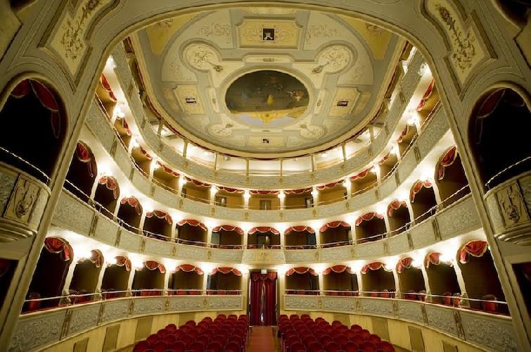 https://www.ragusanews.com//immagini_articoli/29-05-2020/i-rimborsi-dei-biglietti-del-teatro-di-modica-500.jpg