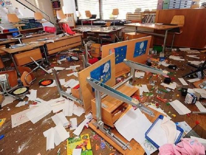 http://www.ragusanews.com//immagini_articoli/29-06-2014/furti-a-raffica-nelle-scuole-di-modica-500.jpg