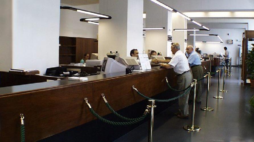 http://www.ragusanews.com//immagini_articoli/29-06-2017/banche-sono-internet-persi-1500-posti-lavoro-sicilia-500.jpg