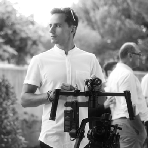 https://www.ragusanews.com//immagini_articoli/29-06-2017/regista-francese-julien-zolli-incognito-scicli-500.png