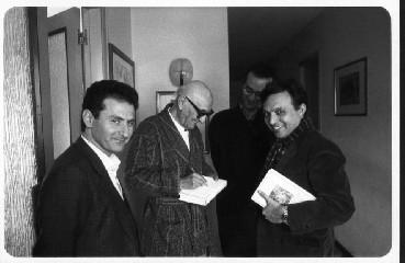 https://www.ragusanews.com//immagini_articoli/29-06-2020/quando-chiambretti-intervisto-bufalino-240.jpg