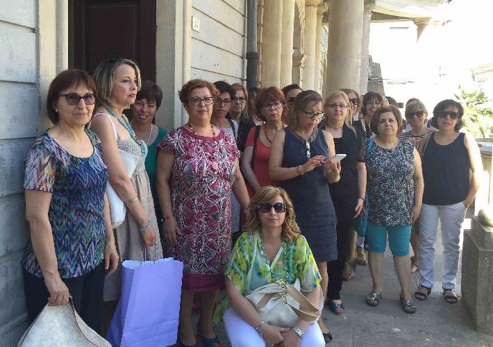 http://www.ragusanews.com//immagini_articoli/29-07-2015/chiaramonte-i-42-comunali-in-sciopero-500.jpg