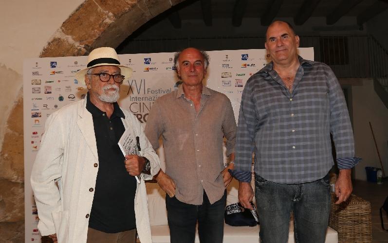 http://www.ragusanews.com//immagini_articoli/29-07-2016/achille-occhetto-al-festival-del-cinema-500.jpg