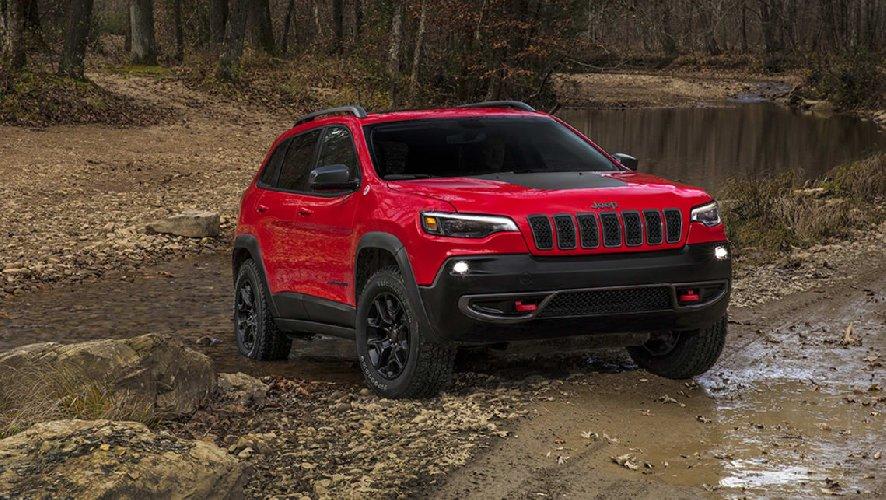 https://www.ragusanews.com//immagini_articoli/29-07-2018/jeep-sceglie-ragusa-scicli-chiaramonte-cherokee-2018-500.jpg