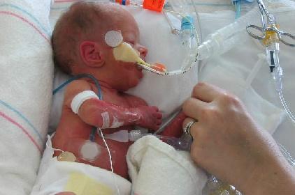 https://www.ragusanews.com//immagini_articoli/29-07-2021/sicilia-altro-neonato-intubato-quasi-200-under-12-contagiati-280.jpg