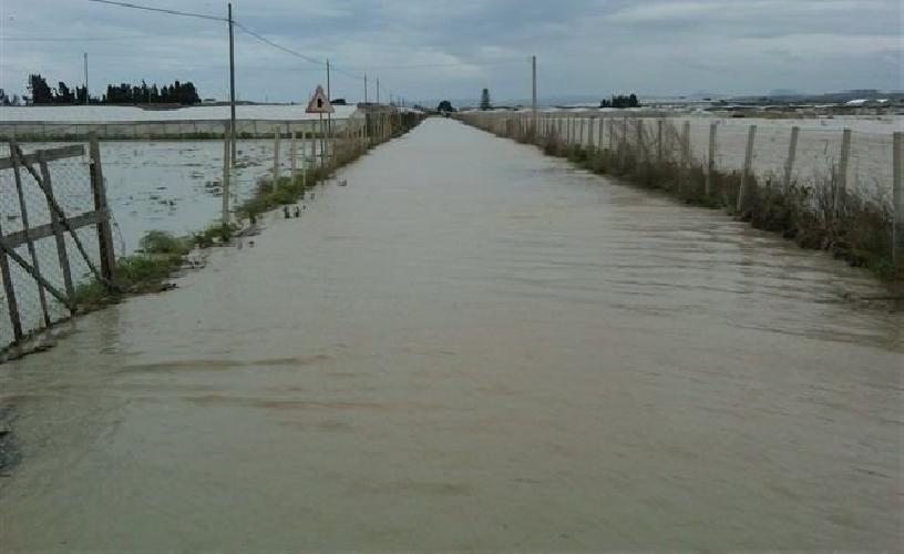 http://www.ragusanews.com//immagini_articoli/29-08-2017/mauro-fine-hanno-fatto-fondi-ciclone-athos-2012-500.jpg