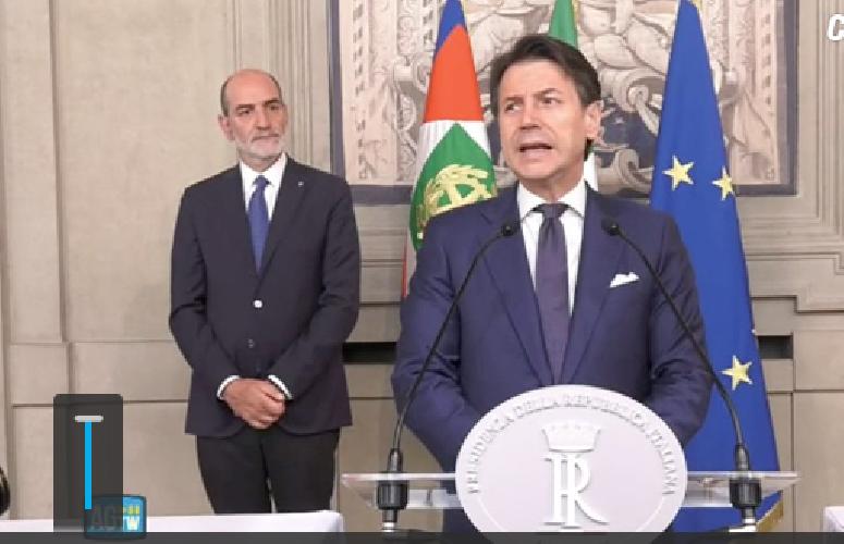 https://www.ragusanews.com//immagini_articoli/29-08-2019/giuseppe-conte-ho-accettato-l-incarico-con-riserva-500.png
