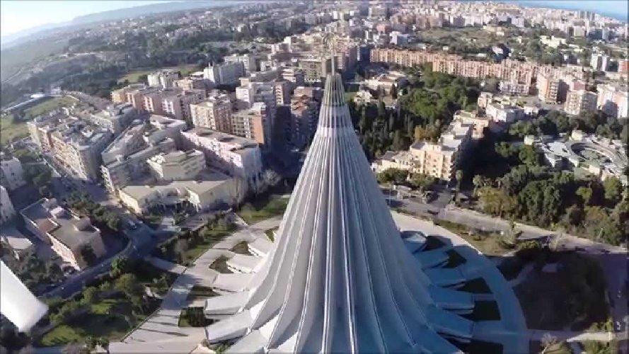 https://www.ragusanews.com//immagini_articoli/29-08-2019/il-vaticano-e-santuario-regionale-la-basilica-madonnina-500.jpg