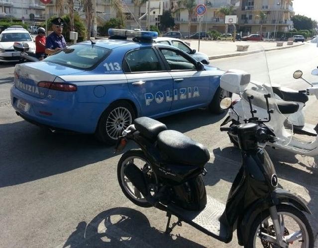 http://www.ragusanews.com//immagini_articoli/29-09-2014/la-polizia-recupera-due-moto-rubate-500.jpg
