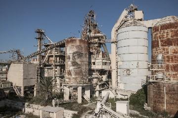 https://www.ragusanews.com//immagini_articoli/29-09-2020/a-ragusa-l-arte-va-in-fabbrica-240.jpg