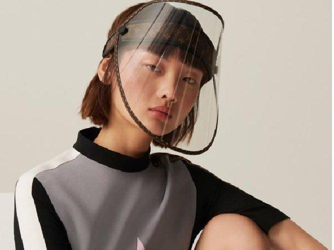 https://www.ragusanews.com//immagini_articoli/29-09-2020/ecco-quali-sono-le-mascherine-di-moda-500.jpg