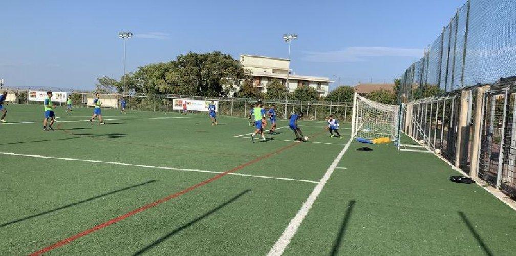 https://www.ragusanews.com//immagini_articoli/29-09-2020/positivo-un-giocatore-del-ragusa-calcio-500.jpg