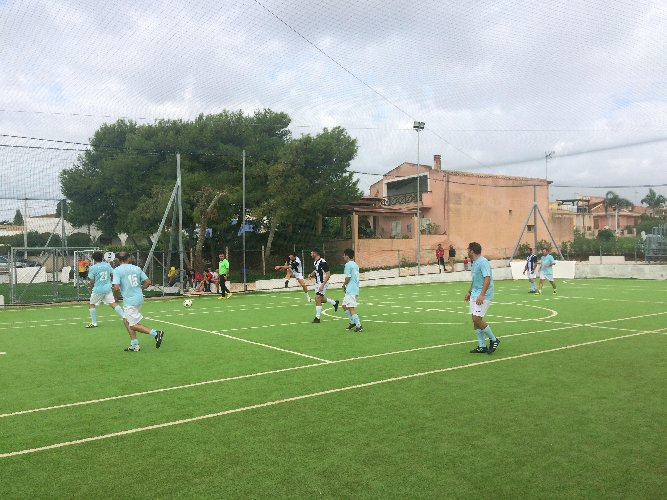 https://www.ragusanews.com//immagini_articoli/29-10-2018/serie-calcio-arriva-donnalucata-500.jpg
