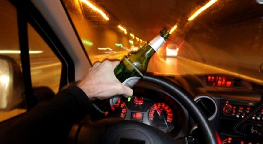 https://www.ragusanews.com//immagini_articoli/29-10-2019/ferma-allalt-polizia-ubriaco-guida-500.jpg