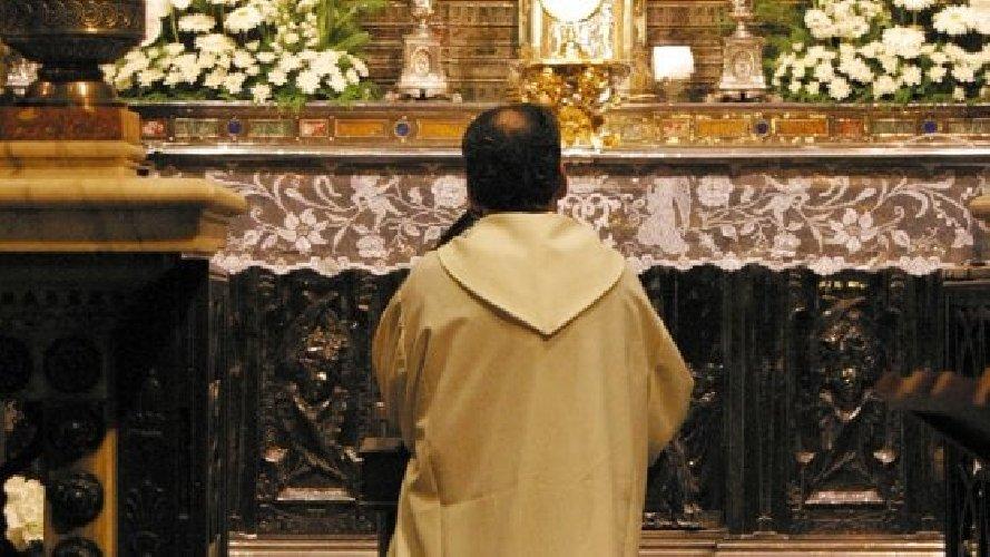 https://www.ragusanews.com//immagini_articoli/29-10-2020/covid-positivi-due-sacerdoti-ragusani-500.jpg