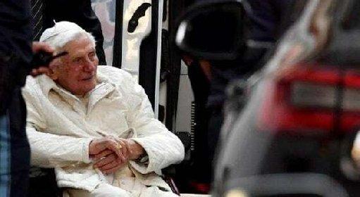 https://www.ragusanews.com//immagini_articoli/29-10-2020/ratzinger-come-sta-pregate-per-lui-risponde-una-catena-social-280.jpg