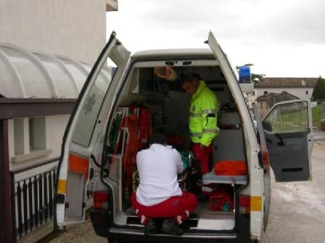 https://www.ragusanews.com//immagini_articoli/29-11-2011/ambulanze-medicalizzate-all-ospedale-di-comiso-500.jpg