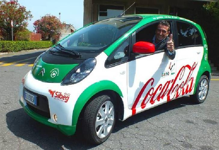 https://www.ragusanews.com//immagini_articoli/29-11-2015/in-sicilia-la-coca-cola-va-elettrica-500.jpg