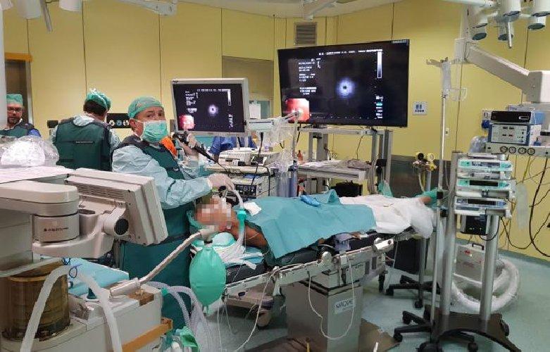 https://www.ragusanews.com//immagini_articoli/29-11-2018/catania-mini-sonda-diagnosticare-cancro-polmone-500.jpg