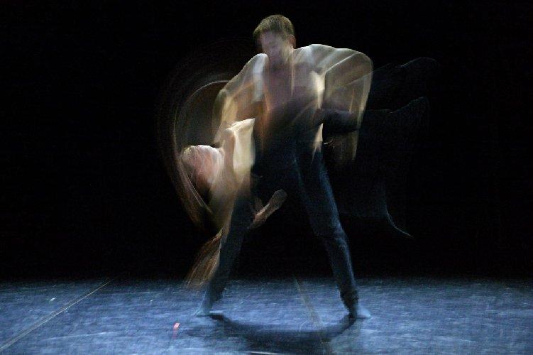 https://www.ragusanews.com//immagini_articoli/29-11-2018/danzart-experience-comiso-domenica-500.jpg