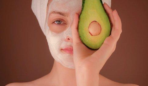 https://www.ragusanews.com//immagini_articoli/29-11-2020/beauty-food-la-dieta-della-bellezza-come-elisir-di-lunga-vita-280.jpg