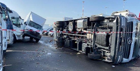 https://www.ragusanews.com//immagini_articoli/29-11-2020/catania-conta-i-danni-del-maltempo-il-video-della-tromba-d-aria-280.jpg