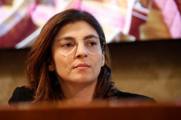 https://www.ragusanews.com//immagini_articoli/29-11-2020/vice-ministro-laura-castelli-super-bonus-fino-al-2024-500.jpg