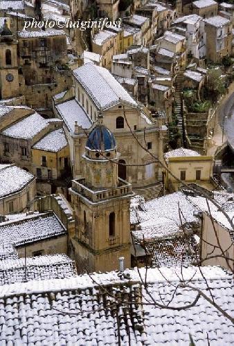 http://www.ragusanews.com//immagini_articoli/29-12-2014/neve-a-capodanno-500.jpg