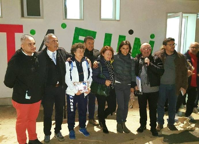 https://www.ragusanews.com//immagini_articoli/29-12-2015/stelle-di-natale-a-donnalucata-500.jpg
