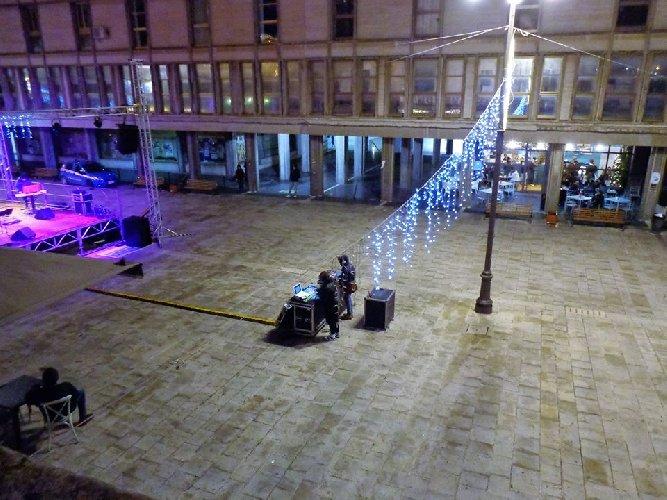 https://www.ragusanews.com//immagini_articoli/29-12-2017/giunta-grillina-ragusa-spende-mila-euro-avere-piazza-vuote-500.jpg
