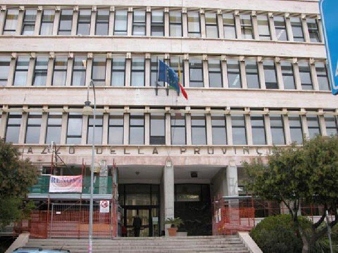 https://www.ragusanews.com//immagini_articoli/29-12-2017/libero-consorzio-ragusa-approvato-bilancio-previsione-2017-500.jpg