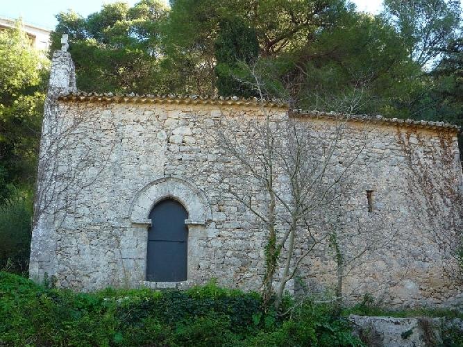 https://www.ragusanews.com//immagini_articoli/30-01-2013/la-chiesa-extra-moenia-di-san-giacomo-a-modica-500.jpg