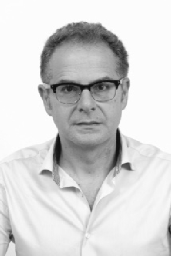https://www.ragusanews.com//immagini_articoli/30-01-2016/i-grillini-candidano-l-avvocato-giurdanella-a-sindaco-500.jpg